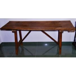 Mesa de finales del siglo XIX, madera de nogal.