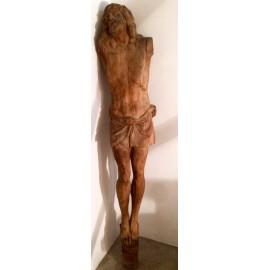 Cristo tallado del siglo XIX.