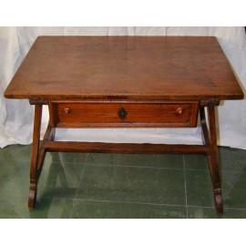 Tavolo scrittoio, legno di noce, del 600