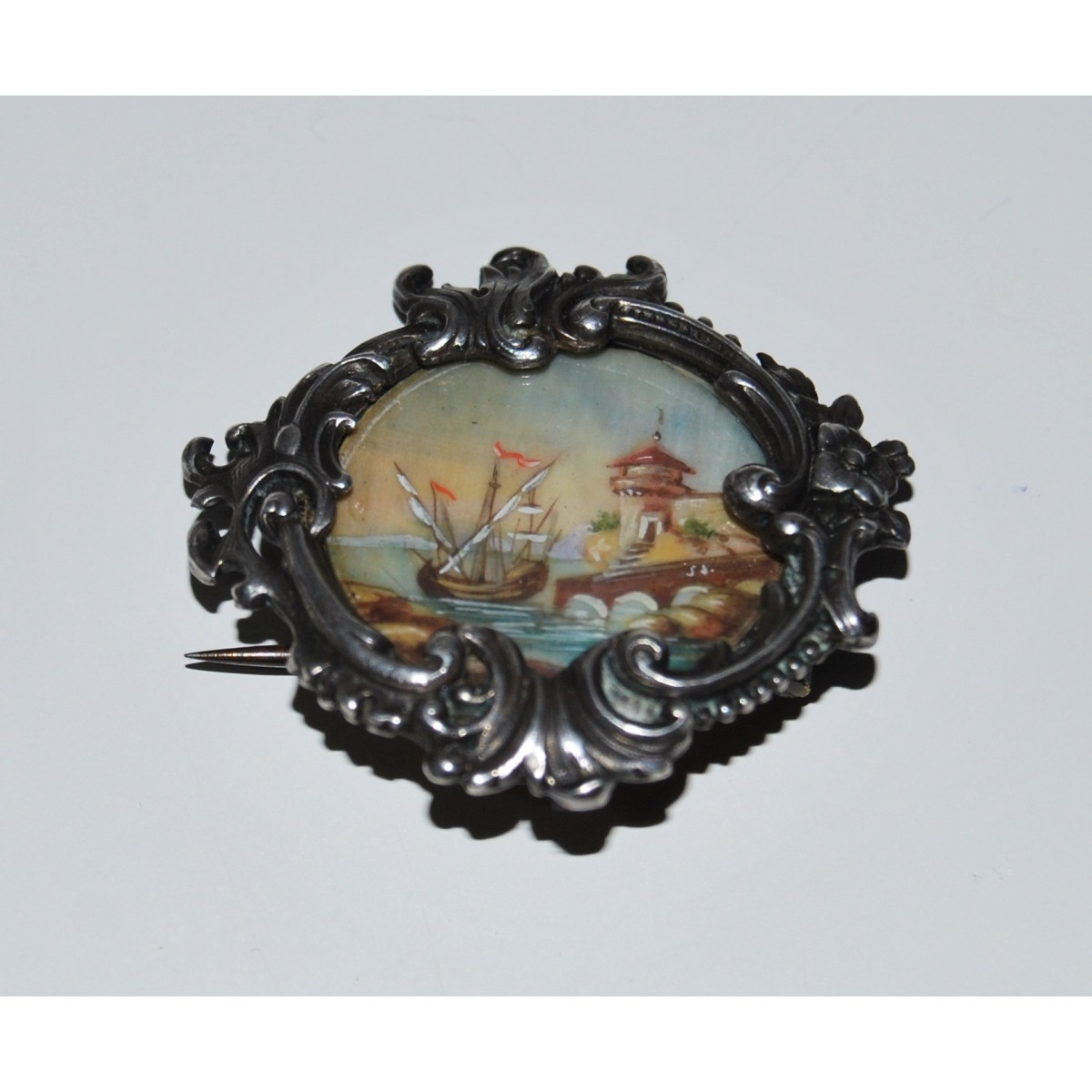 Silver brooch, 19th, inside miniature painted.