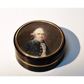 Round tobacco box 18th