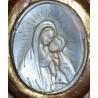 Medalla de nacar el siglo XIX.