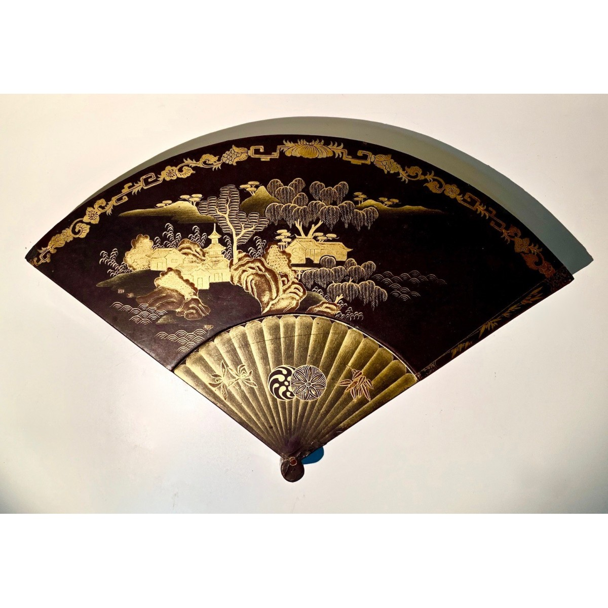 Chinese fan box XIX century