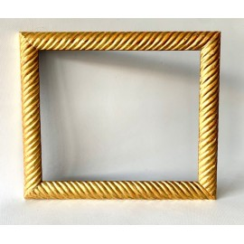 Carved and gilded frame from the 19th