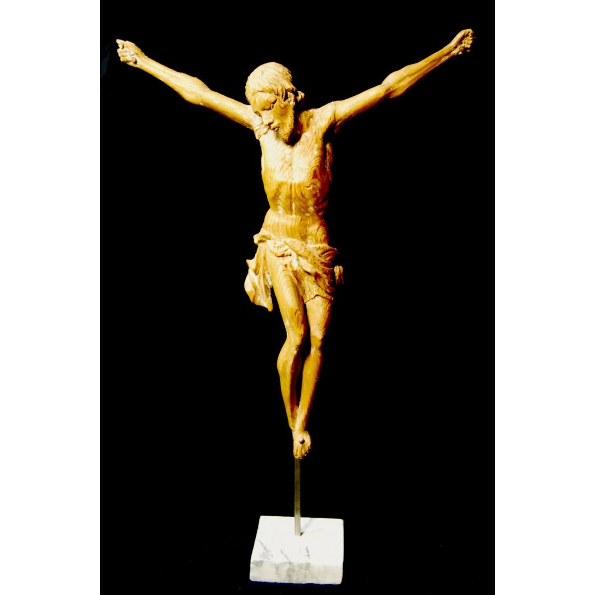 Cristo tallado del siglo XVIII.