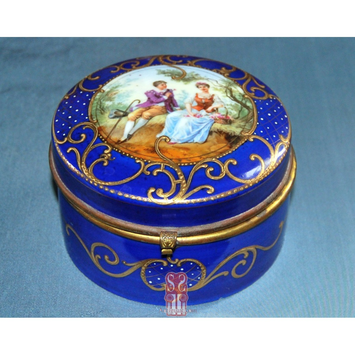 Box, Sevres porcelain, 19th century.