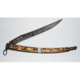 ANTIQUE DAGGERS  AND KNIVES